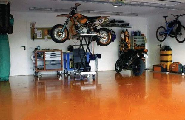 Крашенный пол в гараже