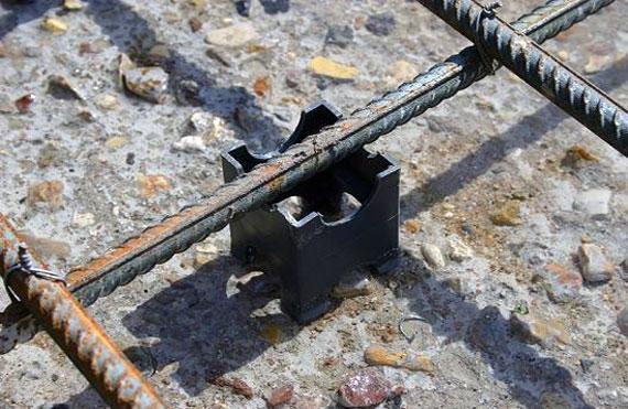Пластиковый фиксатор для защитного слоя